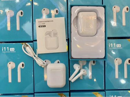 سماعات ايربودز Airpods من شركة TWS