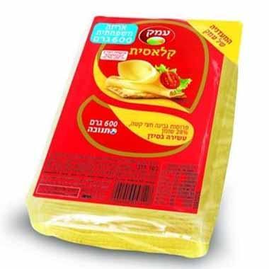 גבינה צהובה עמק 28% 600 גרם תנובה בד