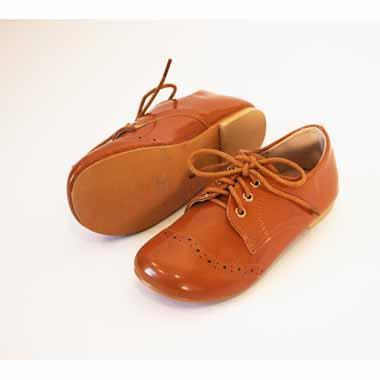 נעל שטוחה חומה עם שרוכים