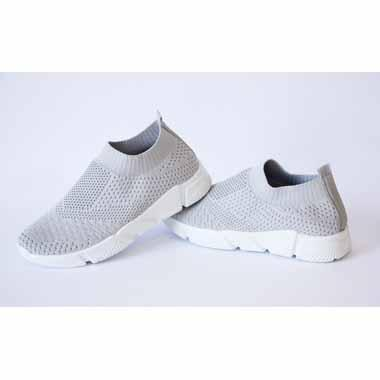נעלי סניקרס נוחות - אפור