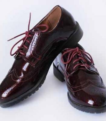 נעל עם שרוכים בורדו חום