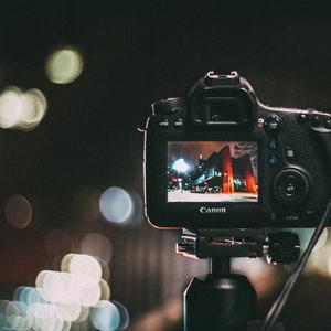 كاميرا احترافية